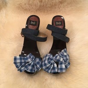D&G Brown Chunky Heel Wood Sandals